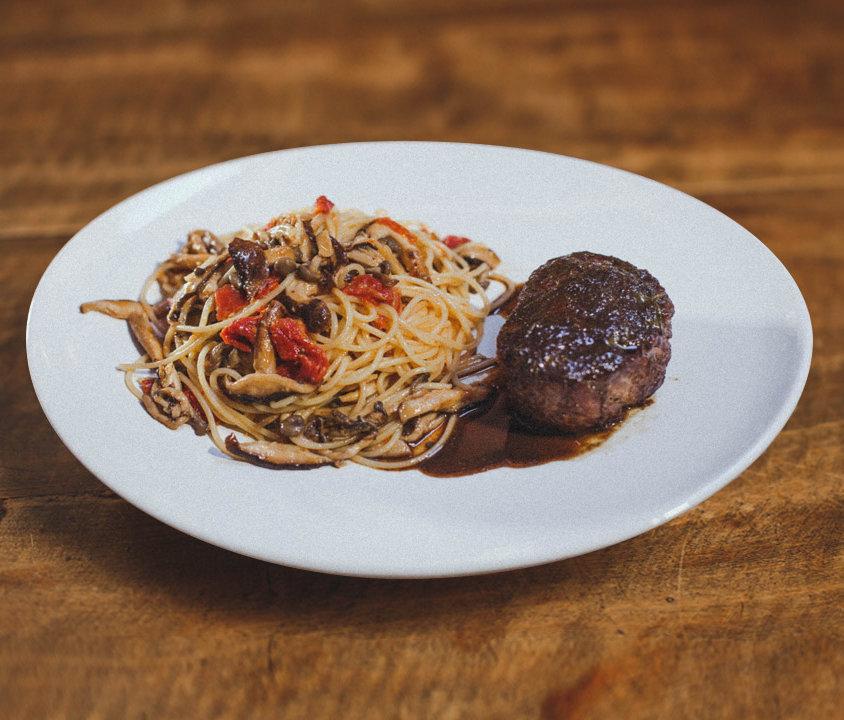 Filetto con Spaghetti ai Funghi